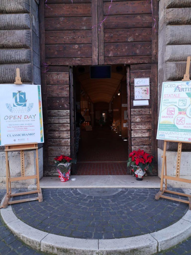 Liceo Classico e Liceo Artistico -Mostra alle Scuderie Estensi-